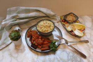 Couscous fleuri de carottes anciennes et houmous